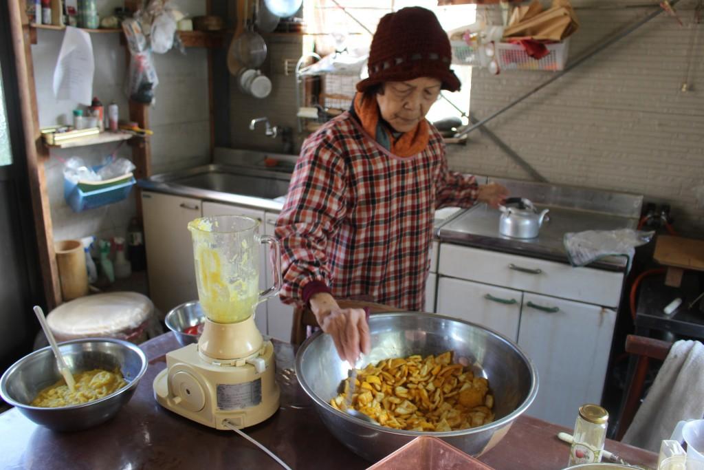 柚子胡椒づくりを教えていただいたお母さん。